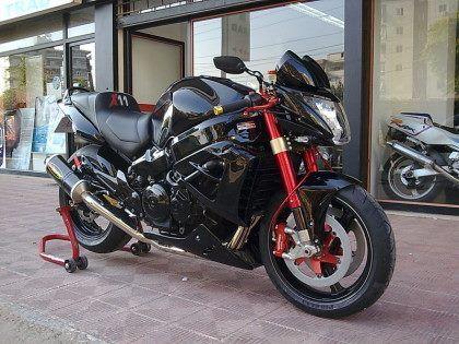 Custom CBR 1100 XX Street Fighter | XX+X | Honda 1100, Honda