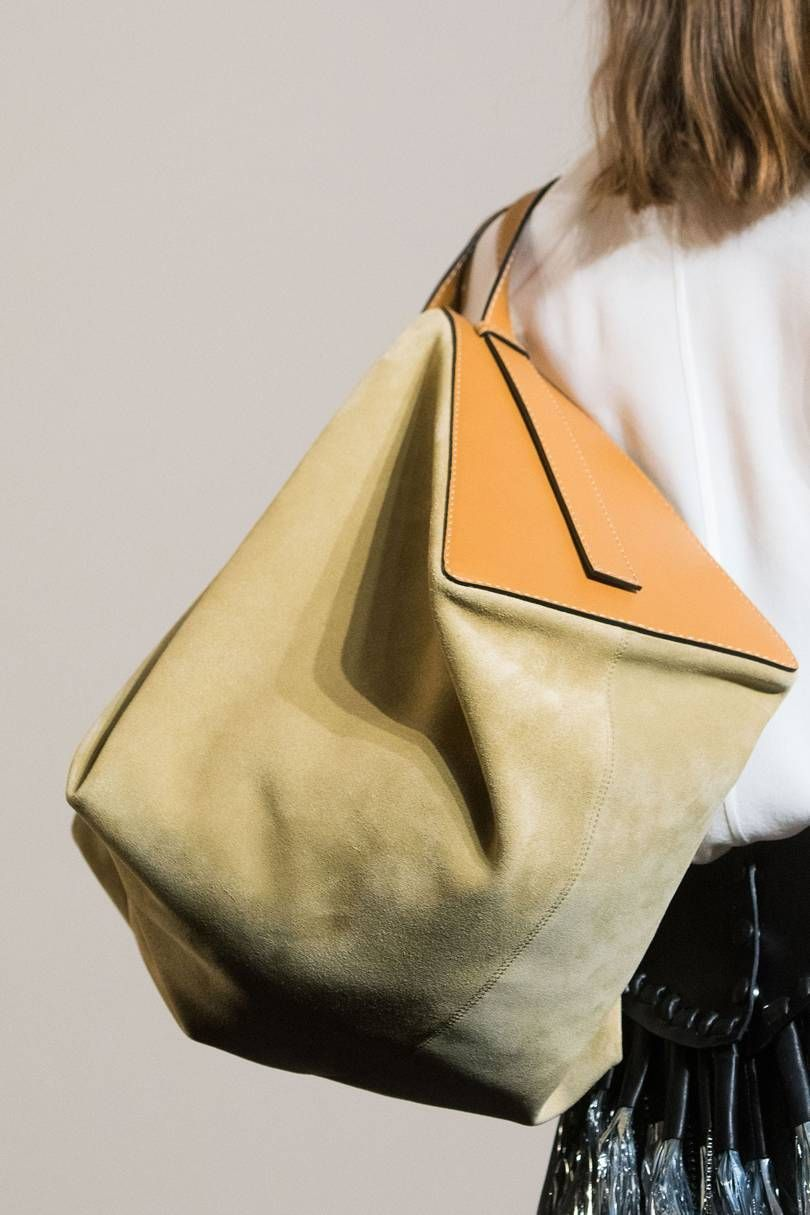 f3d7cd0e2354 Vogue s Ultimate Guide To Autumn Winter 2019 Bags