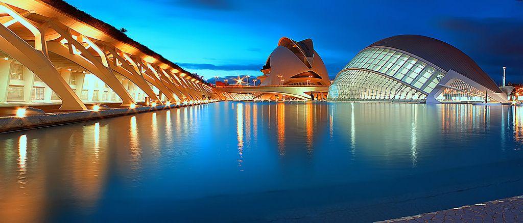 Ciudad de las Artes y las Ciencias - Valencia, Spain Photo: saras2uk