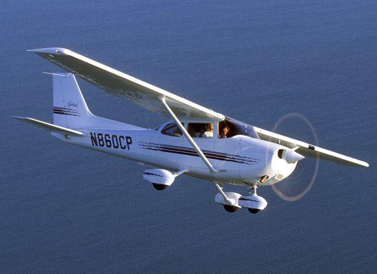Cessna 172 Skyhawk - the plane I earned my Private Pilot certificate
