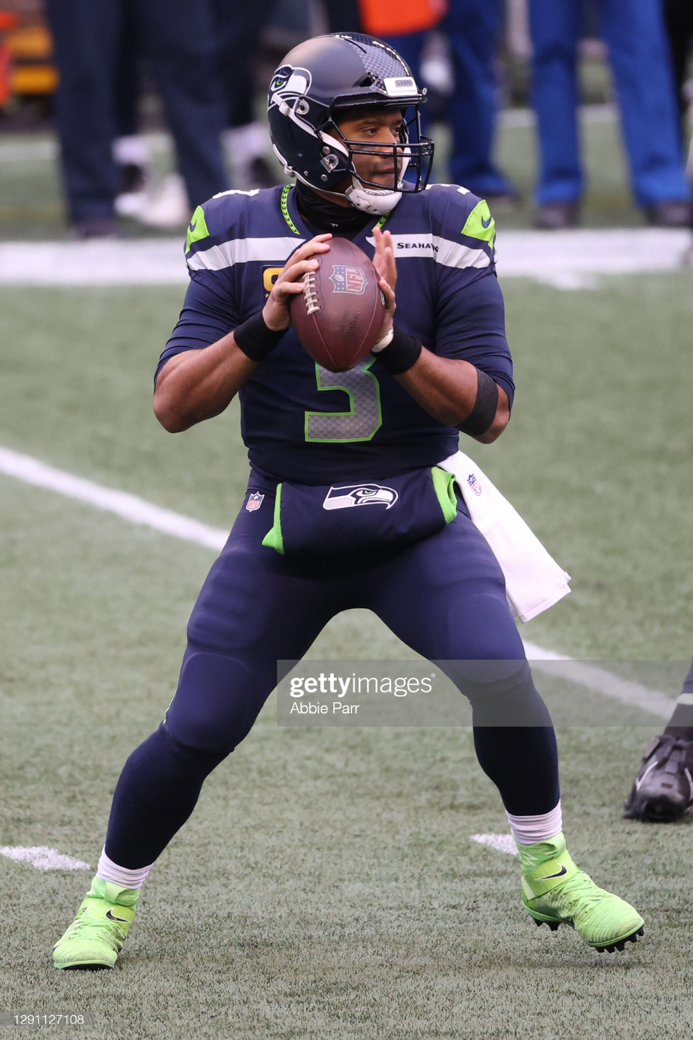 Russell Wilson Of The Seattle Seahawks Looks To Throw The Ball In The In 2020 Seattle Seahawks Russell Wilson Seahawks