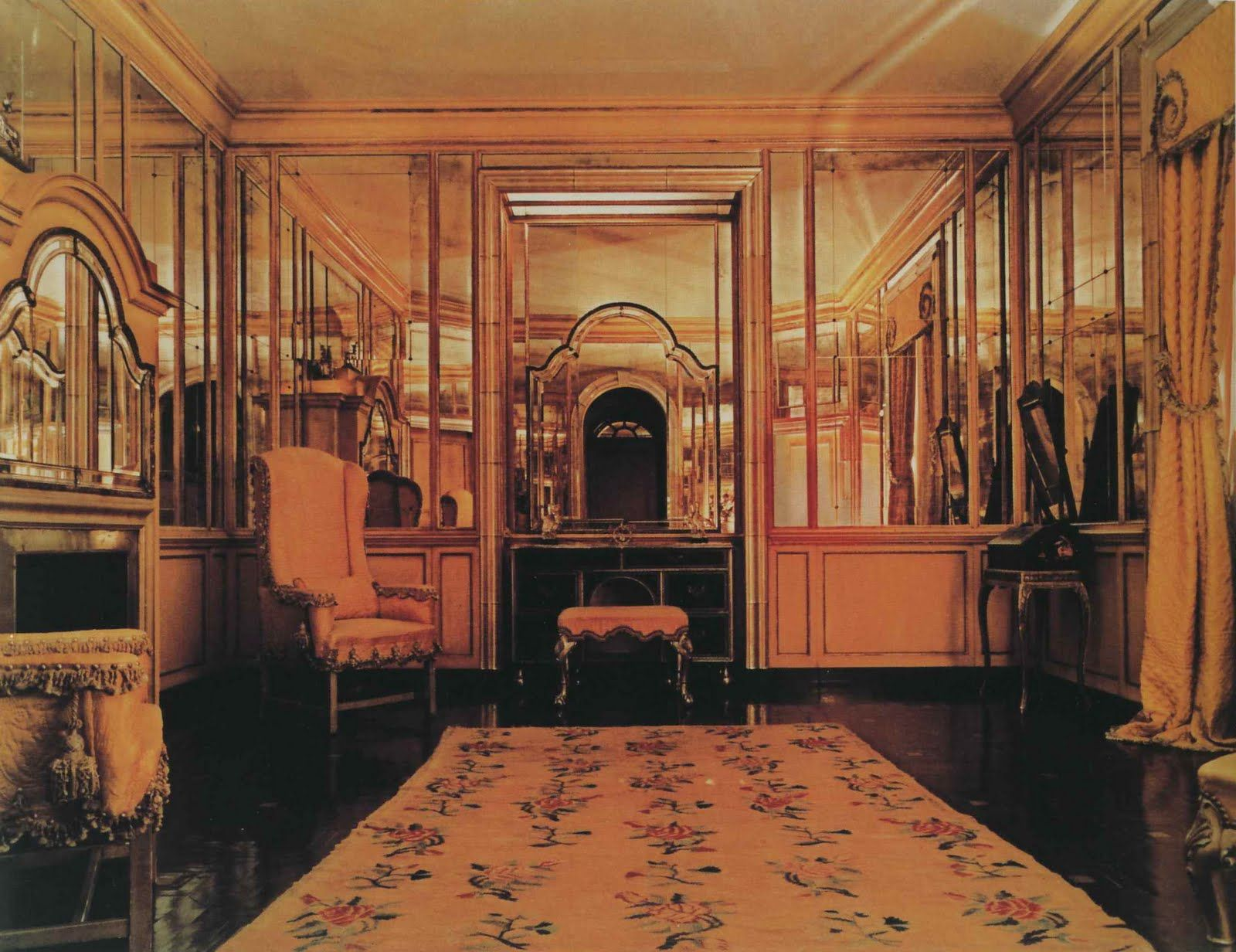 Frances Elkins Ladies Powder Room Of Mrs Kersey Coates Reed S House In Lake Forest Illinois 1929 Ind Beige Wallpaper Art Deco Hotel Beautiful Interiors