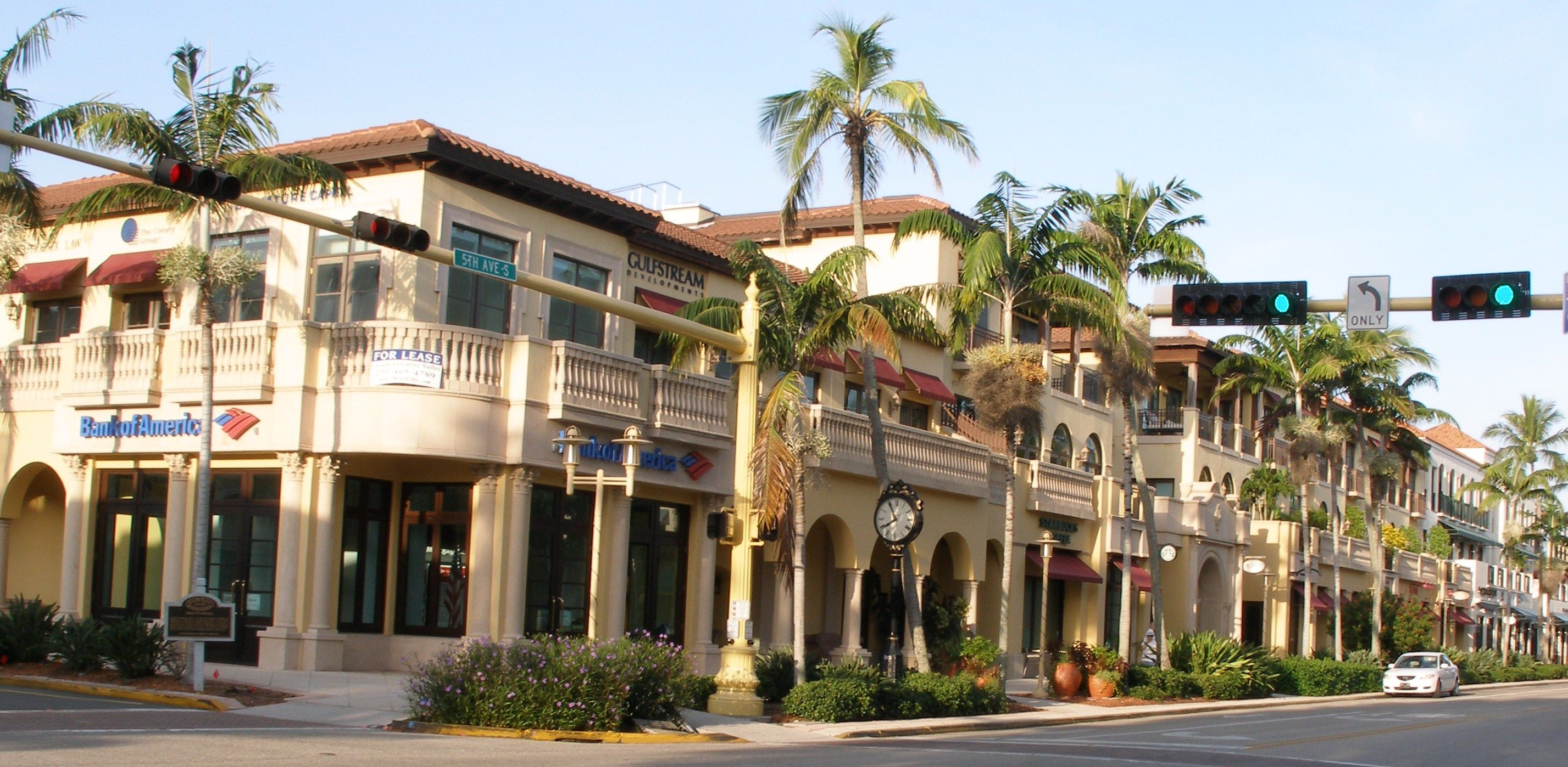 5th Avenue South - Downtown Naples. Lots of dining options ...