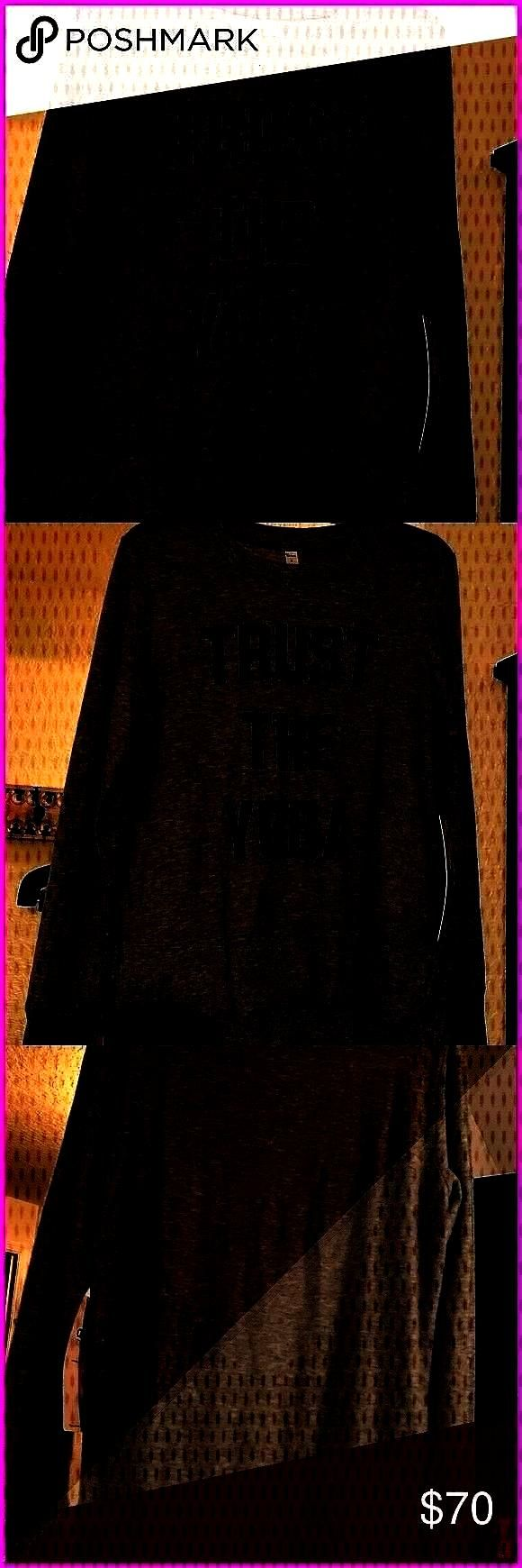 size small nwt New size small alo yoga glimpse long sleeve top Trust the yoga motto ALO Yoga Tops S