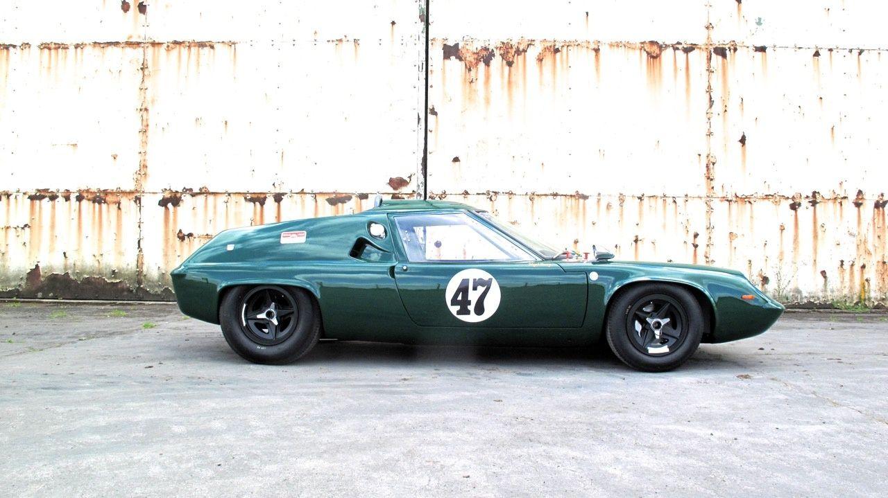 Deze Lotus 47 GT uit 1968 wordt te koop aangeboden in Engeland via Classic Driver. De auto is in april dat jaar geleverd aan Paul Kerridge die er tot eind..