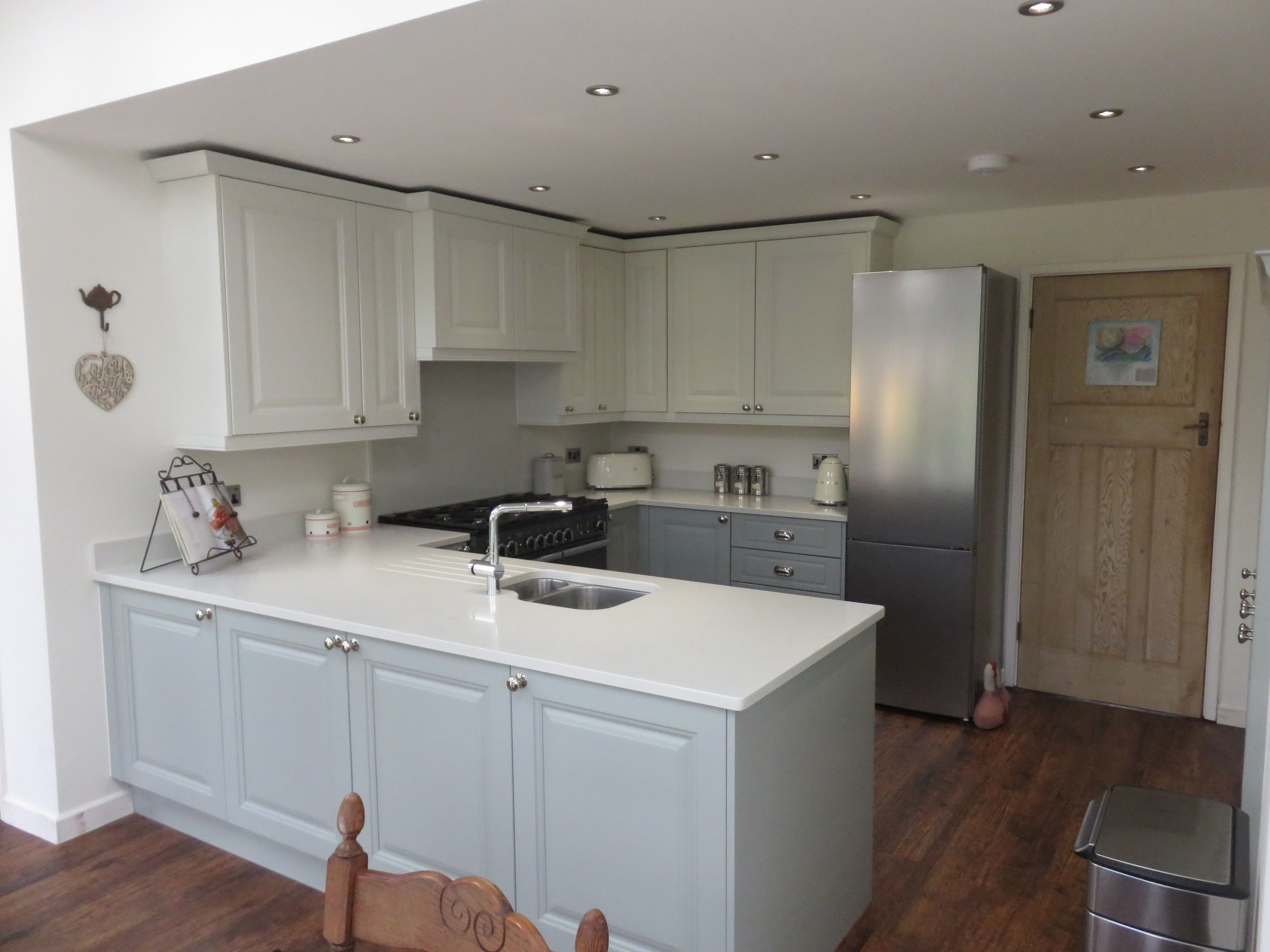 Light blue and porcelain fitted kitchen Kitchen fittings