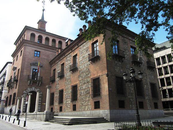 Casa De Las Siete Chimeneas Plaza Del Rey Antonio Sillero 1574 1577 Para Pedro De Ledesma Secretario D Viajar Por España Madrid Ciudad Comunidad De Madrid