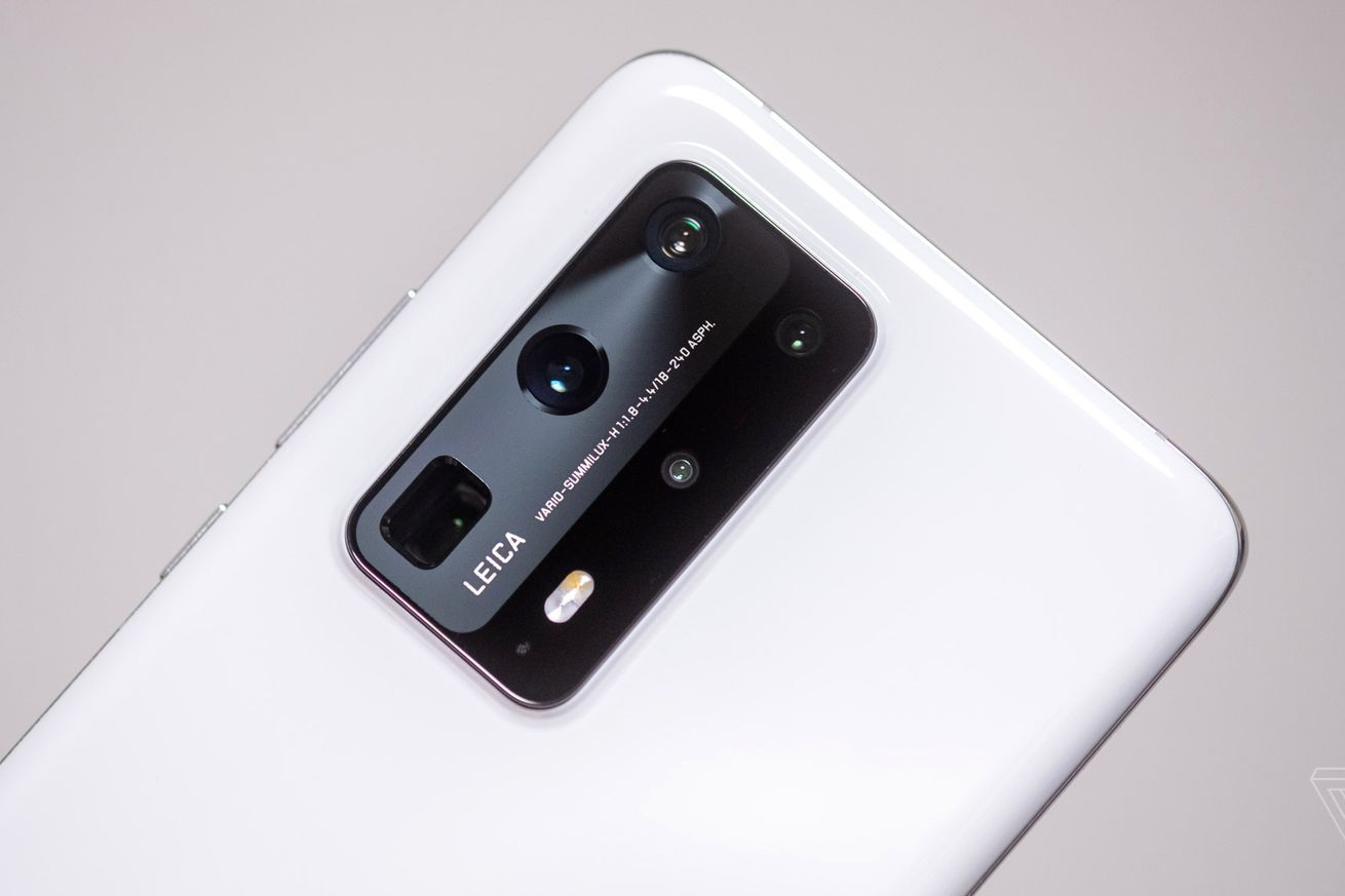 Huaweis P40 Pro Plus Is The Smartphone Zoom King In 2020 Smartphone Zoom Three Phones Iphone Pictures
