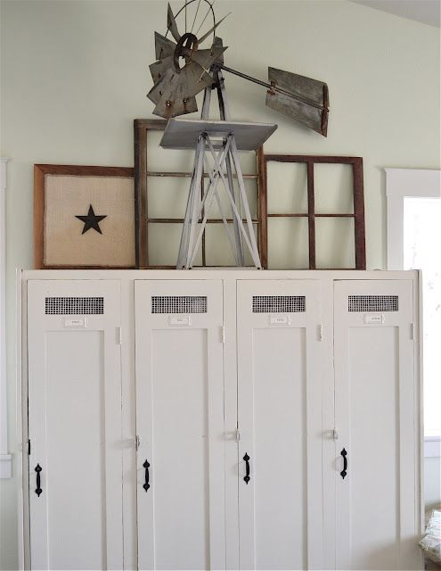 glorious lockers, windmill, windows....everything!