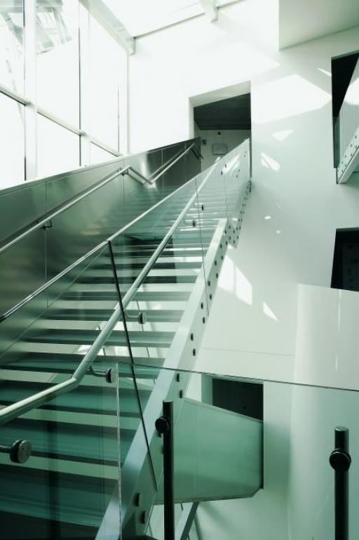 Hypo alpe adria bank udine italy by morphosis architects - Interior design udine ...