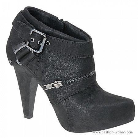 Лизать женские туфли фото, веселый транс фото