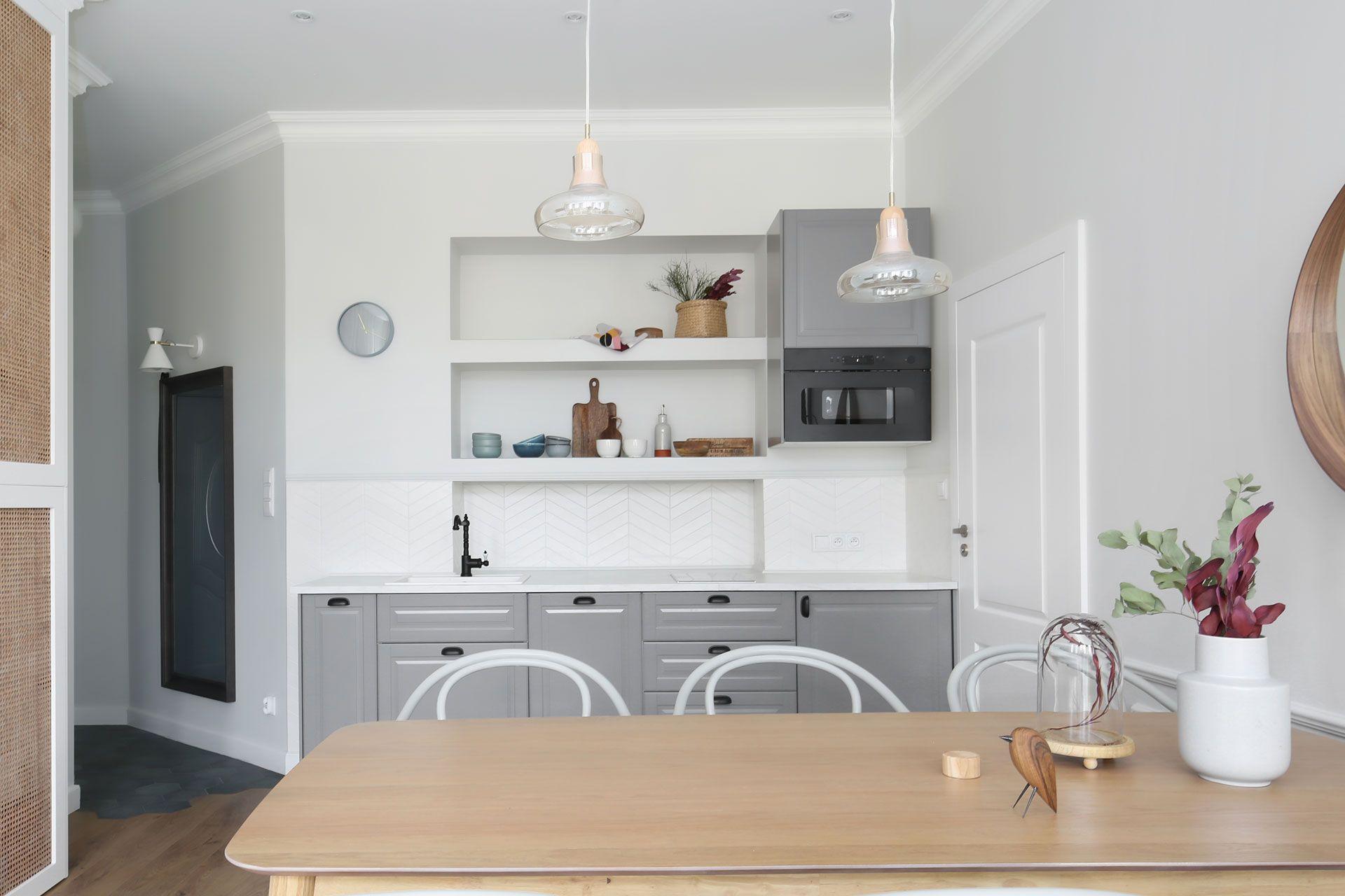 Foorni Pl Projekt Nor Studio Bialo Szara Kuchnia I Jadalnia W Sopockim Apartamencie Kuchnia Jadalnia Sopot Wnetrze Projekt D Home Decor Home House