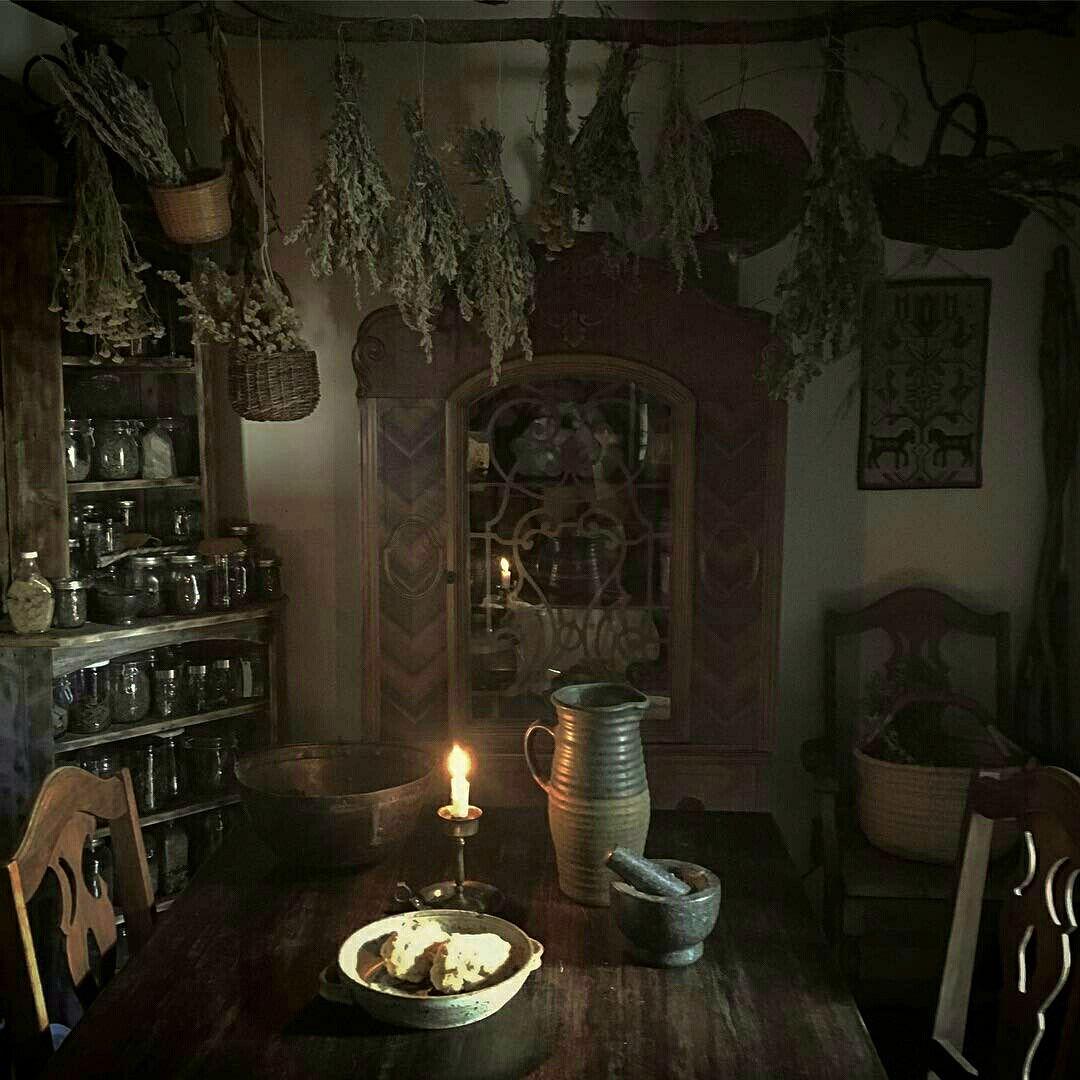 ᏇᎥʈƈɦ Ꮳ⚬ʈʈɑɠҽ   Witch cottage, Witch house, Witch decor