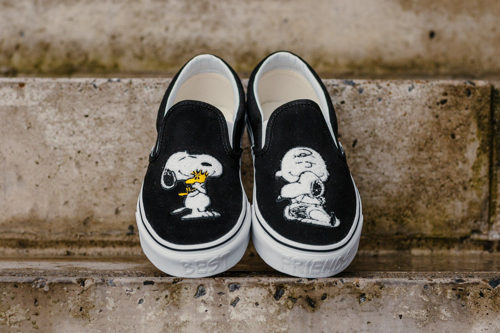 c741a8c9ee Product Name  Vans x Peanuts Classic Slip-On  Best Friends  VA38F7QTZ  Specifications  Rep the ultimate buddy homage in this Snoopy and Charlie  Brown  Best ...