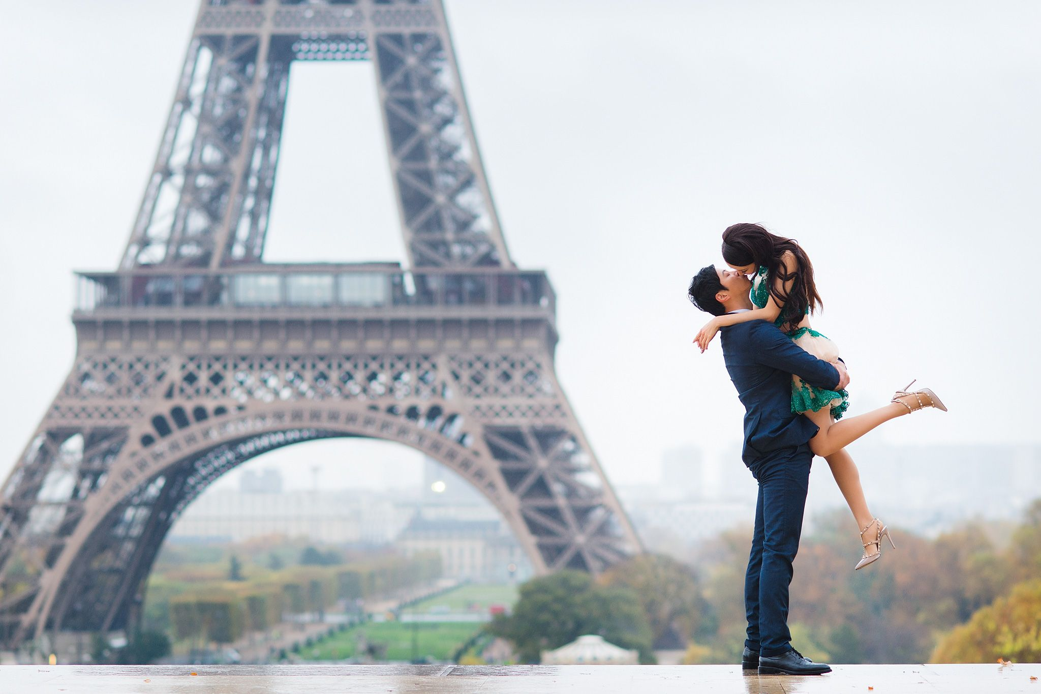 Pre Wedding Photo Gallery In Paris Paris Pre Wedding Pictures