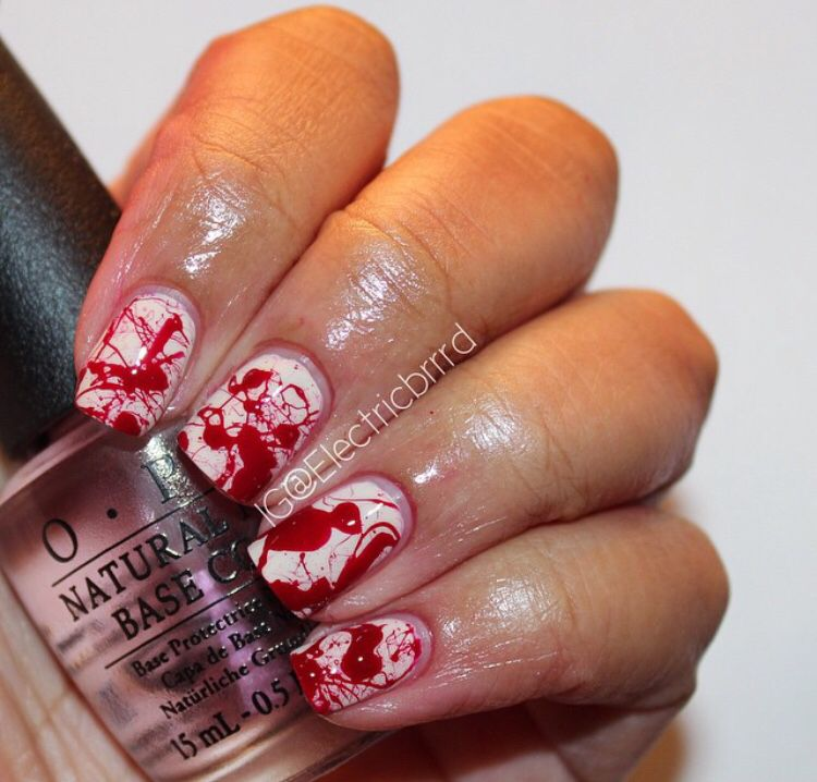 Need some ideas for easy #Halloween Nails?!Try and cute blood spatter mani! Details on my blog lickmylacquer.blogspot.com  #nails #manicure #nailart #nailDesign #HalloweenNails