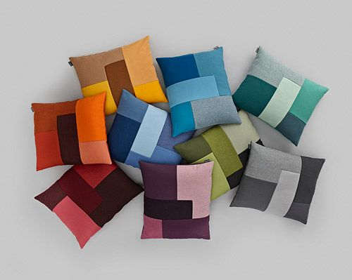 love these pillows.... could make many ways... fabrics, crochets, knits...