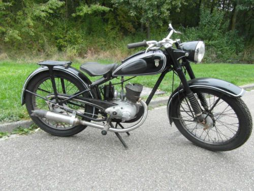 dkw rt125w rt 125 w scheunenfund 1951 barnfind ebay 98 cc and 125 cc motorcycles. Black Bedroom Furniture Sets. Home Design Ideas