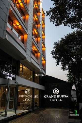 Grand Bursa Hotel Bursa Set in Bursa, 1.1 km from Bursa City Square Shopping Center, Grand Bursa Hotel features air-conditioned rooms and free private parking. The hotel has a terrace and views of the garden, and guests can enjoy a meal at the restaurant.