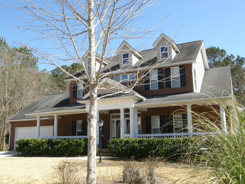 Dunes West - MLS# 16005127 http://ift.tt/1TMu6mJ Last Update: Mon Feb 29th 2016 12:00 am   Provided courtesy of Brent Morocco of Carolina One Real Estate Privacy abounds in this 4 bedroom 2  bath traditional home. This property is set on almost a full acre with wooded setting. Entering the home has an open foyer office/living room formal dinning room. The gourmet kitchen includes breakfast nook granite countertops and a great space for entertaining and preparing meals. The spacious back area…