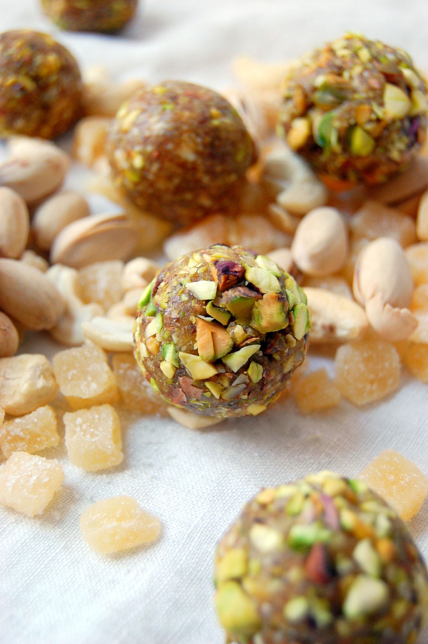 Ginger Pistachio Energy Bites - perfect for on the go and snacks! | uprootfromoregon.com