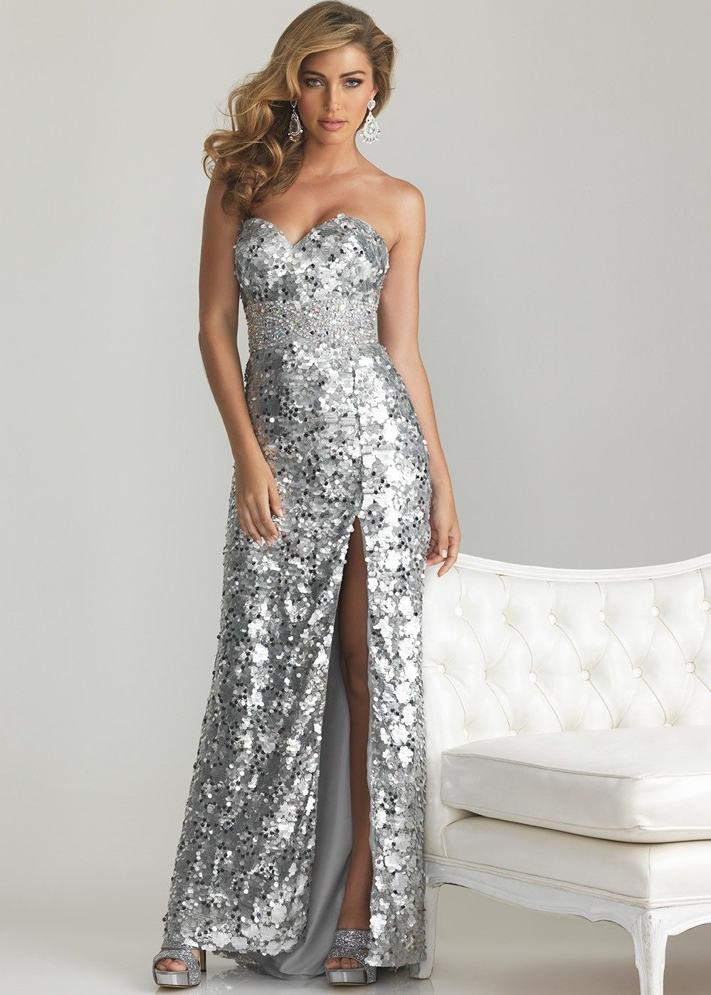 10  images about Sparkly Prom Dresses on Pinterest  Beaded prom ...
