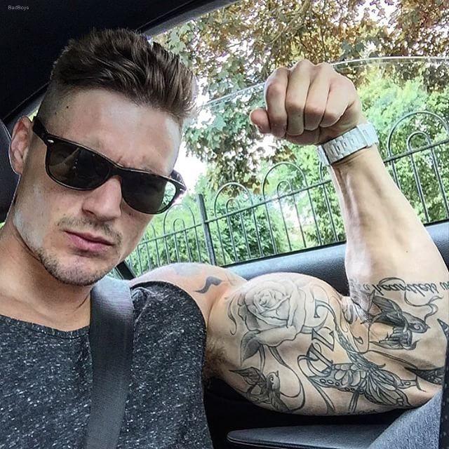 Muscle men fucking spending time