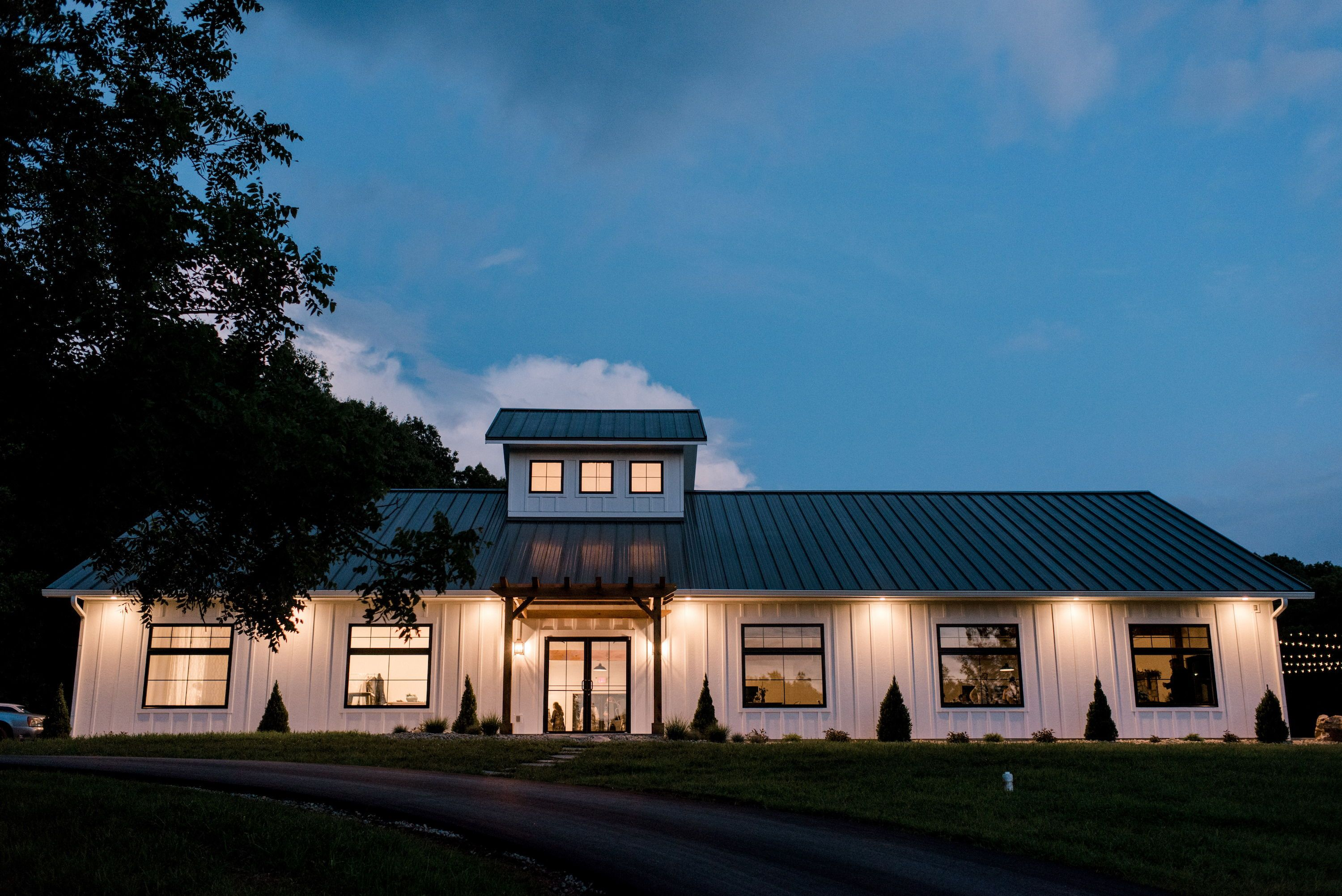 The Wilds Modern Farmhouse Midwest Wedding Venues