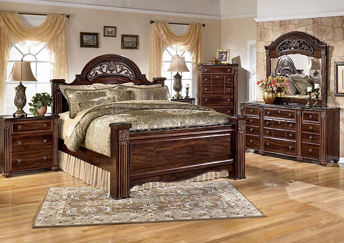 Furniture U0026 Merchandise Outlet   Murfreesboro U0026 Hermitage, TN Gabriela  Queen Poster Bed