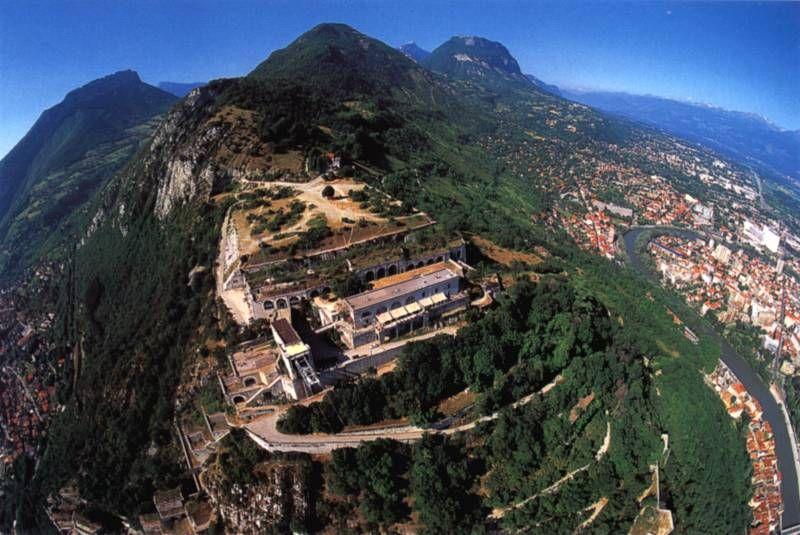 Grenoble France The Bastille A Fortress Surrounding Grenoble