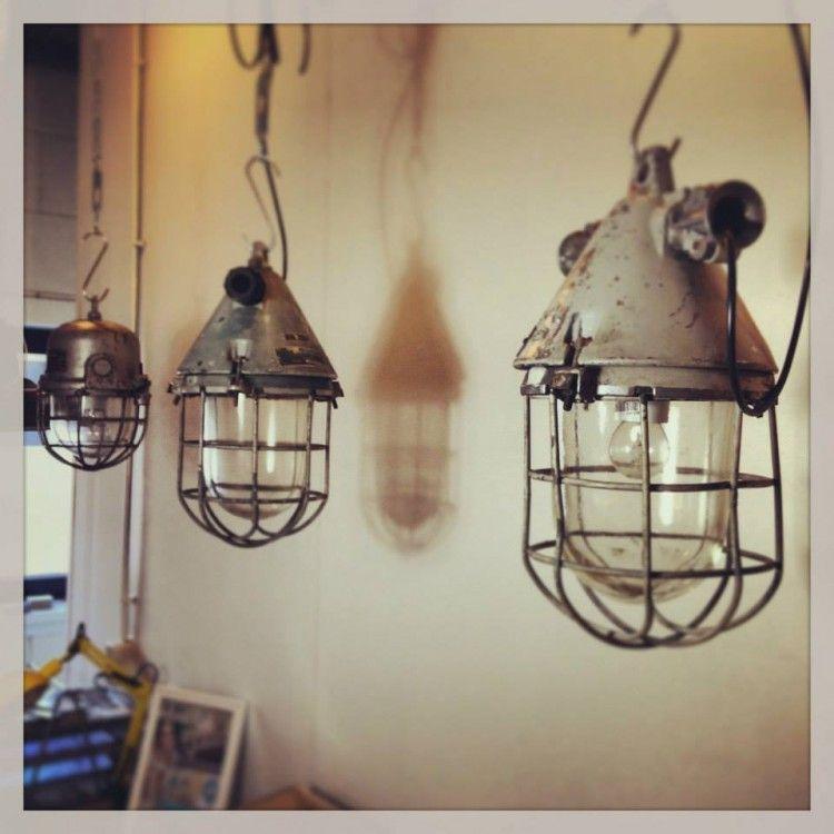 het is een ware trend lampen met een stoere industrià le look in