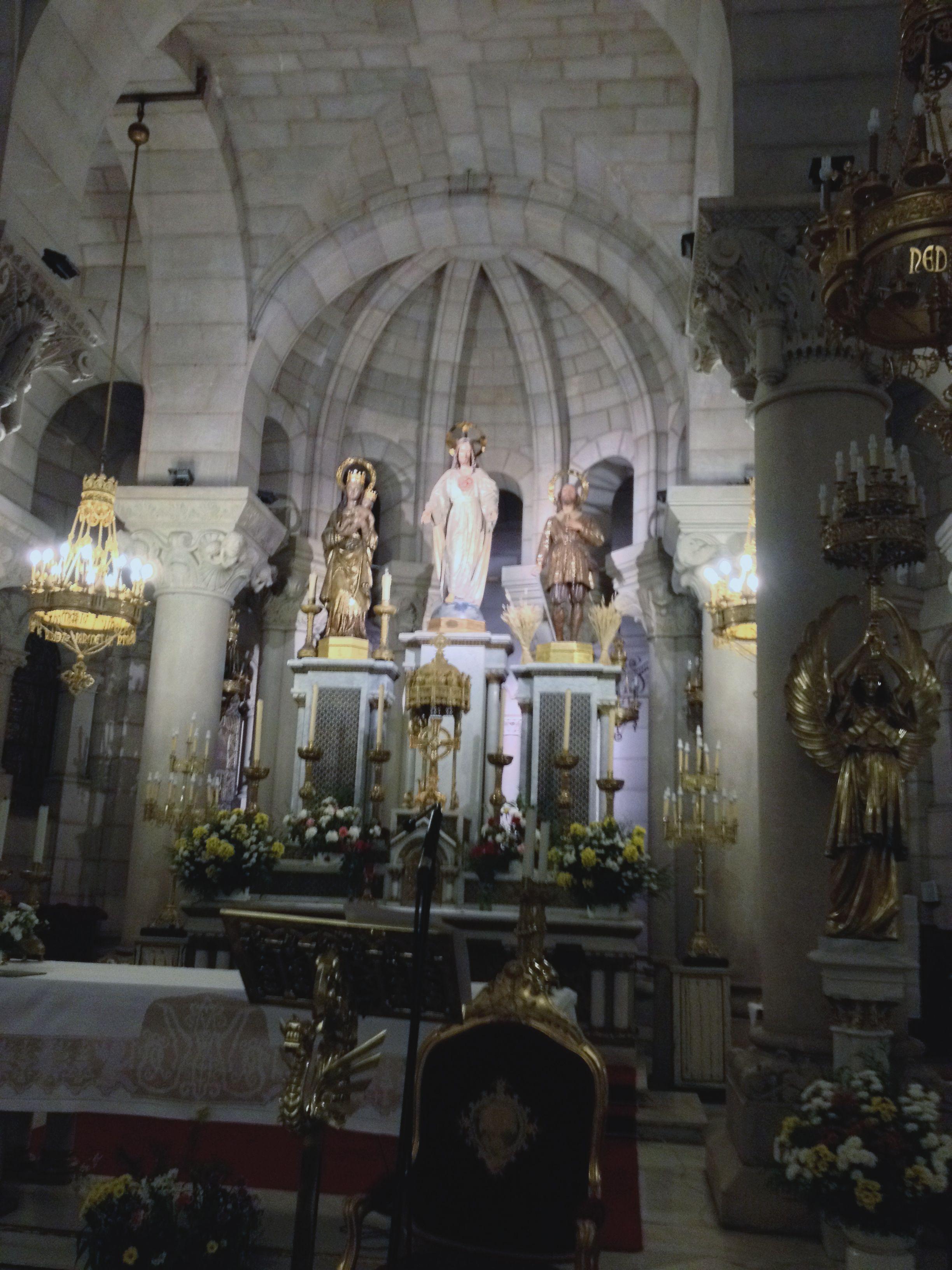Sagrado Corazón De Jesús Altar Cripta De La Santa Iglesia Catedral De La Almudena C Mayor Dirección Santa Iglesia Iglesia Catedral Sagrado Corazon De Jesus