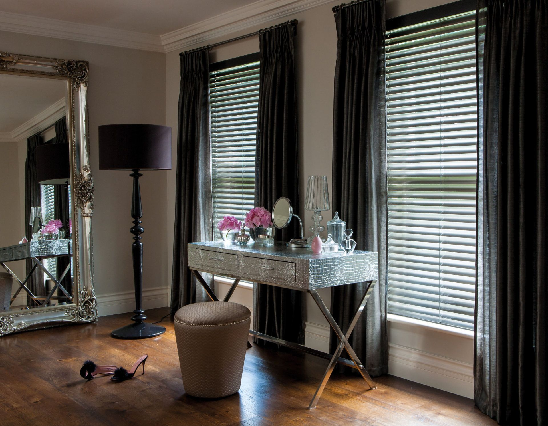 14 Delicate Painting Roller Blinds Ideas With Images Blinds Design Wooden Blinds Curtains With Blinds