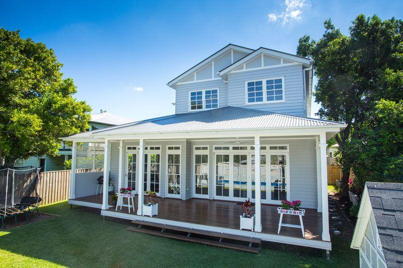 Old queenslander google search verandah deck for Queenslander exterior colour schemes