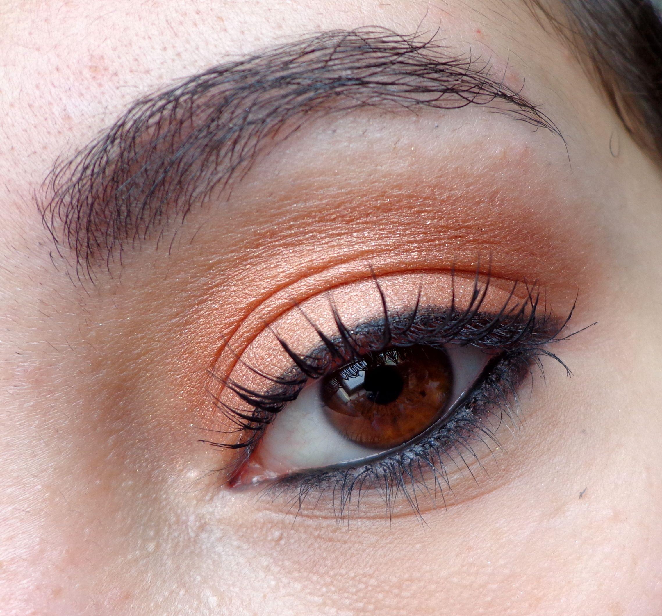 http://blogmaquilha-te.blogspot.pt/2013/05/30-days-makeup-challenge-day-5-bronze.html