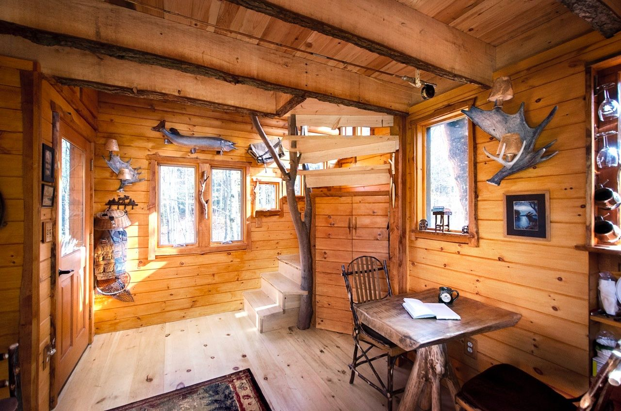 tree house ideas inside homes moose meadow lodge treehouse vacation spots ideas tree house interior new england mikey pinterest lodges and