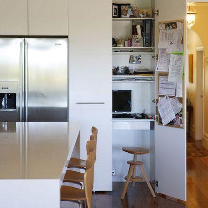 gain de place cr ez votre bureau dans une armoire bureau pinterest bureau gain de place. Black Bedroom Furniture Sets. Home Design Ideas