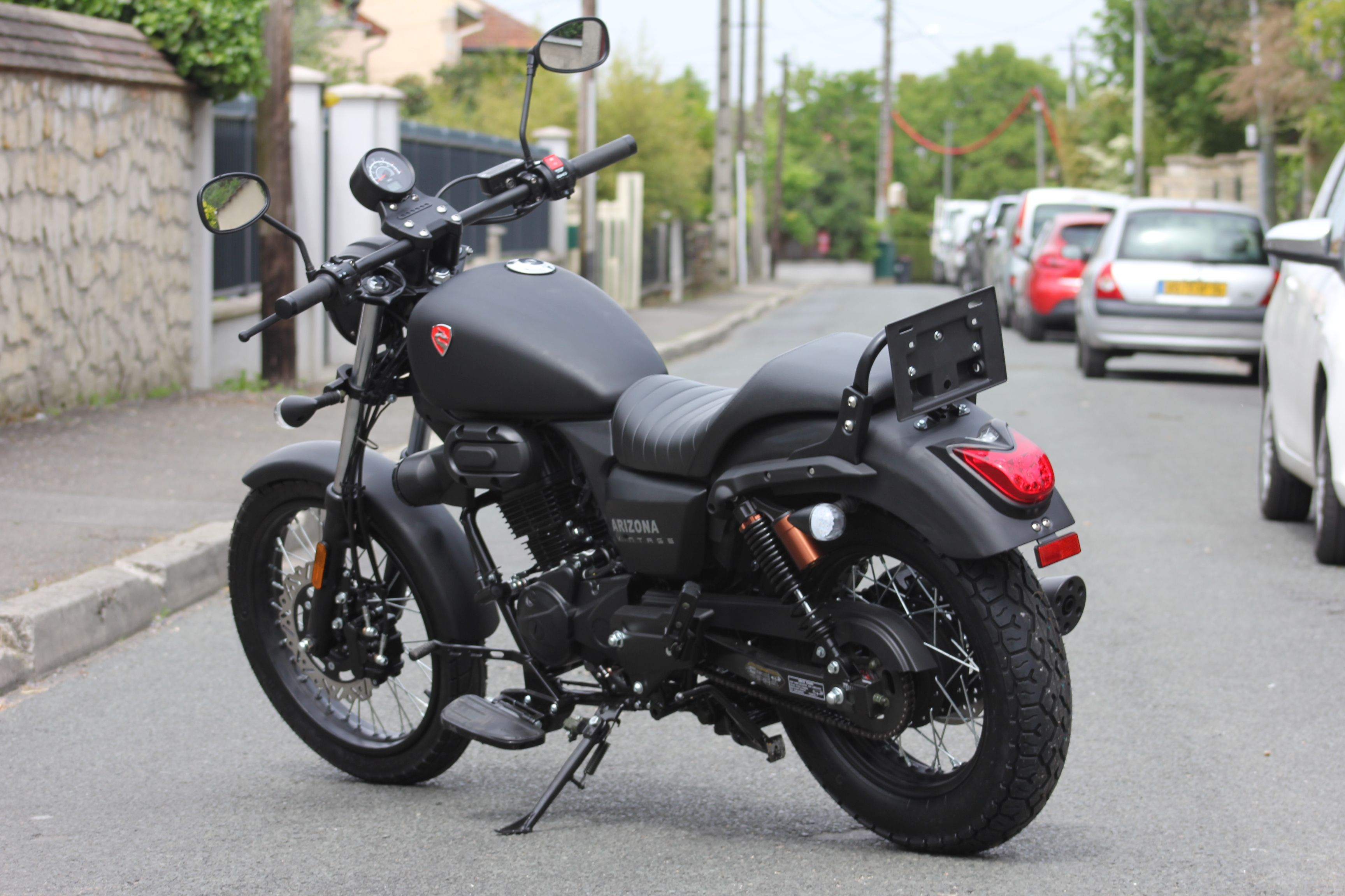 nouvelle moto 125 arizona custom et roadster permis b 2 499 ttc dans toutes les. Black Bedroom Furniture Sets. Home Design Ideas