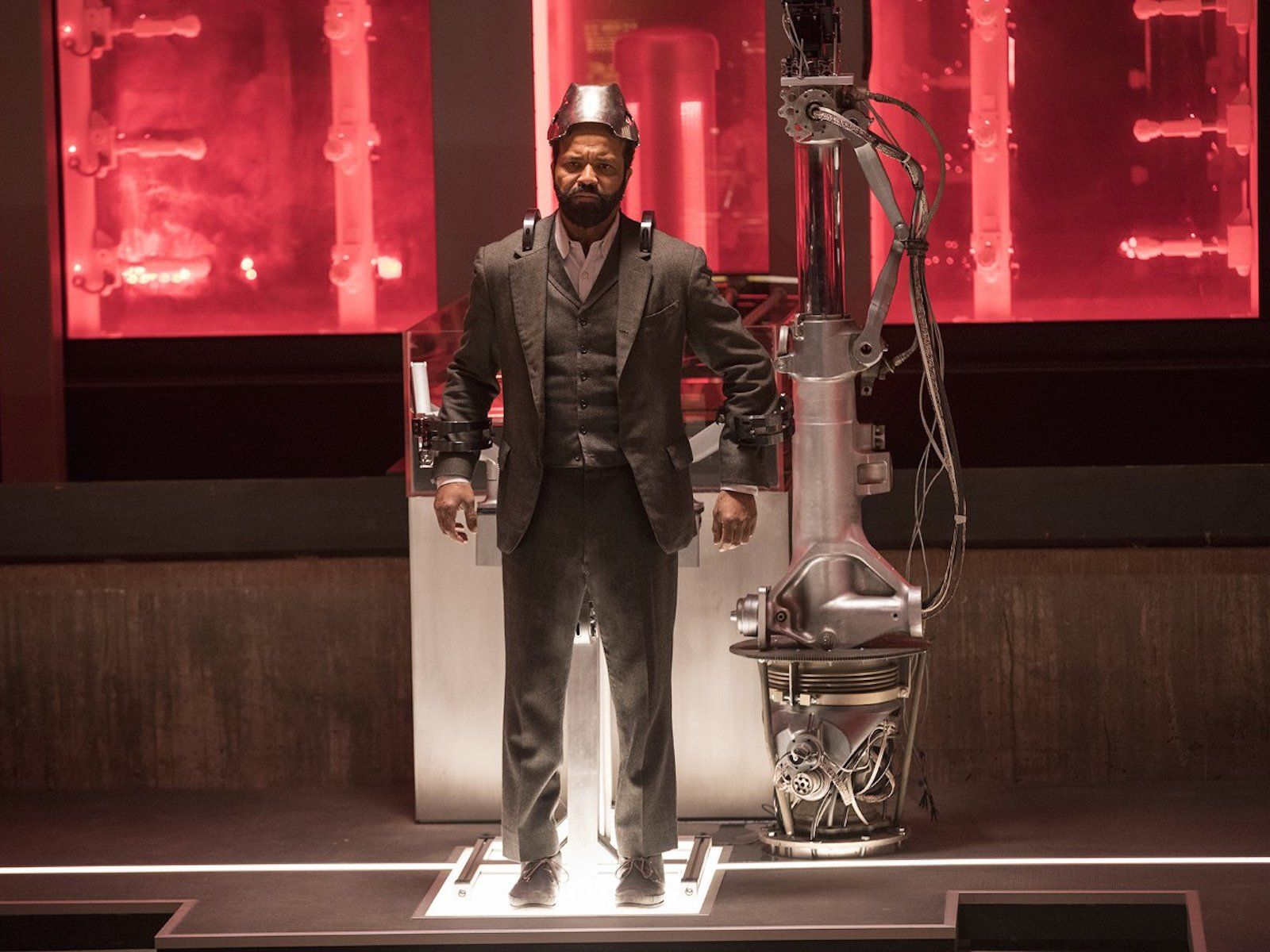 Westworld Ford S Plan With Bernard And The Cradle Revealed