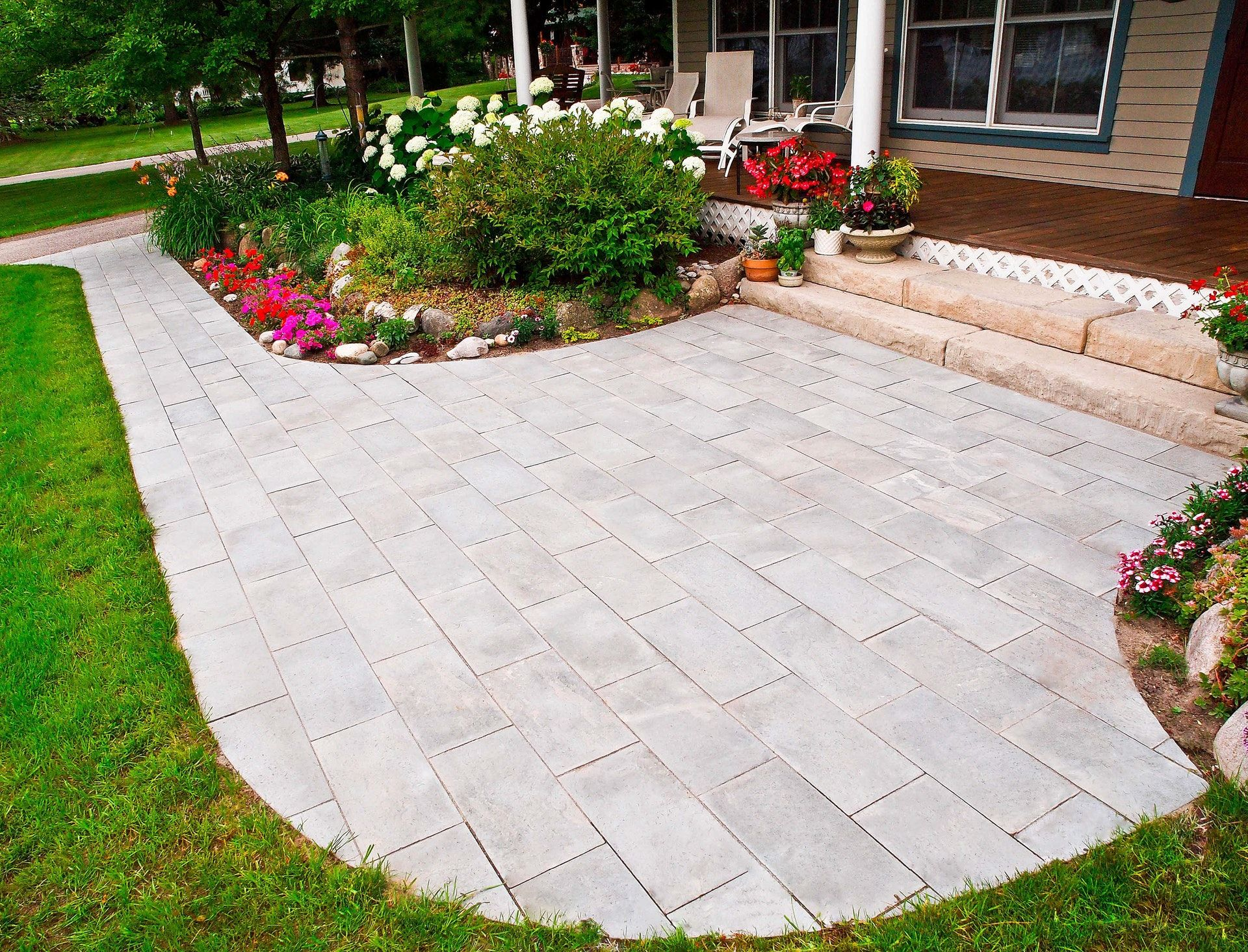 15 Front Entrance Ideas to Add Curb Appeal   Rosetta Hardscapes ...
