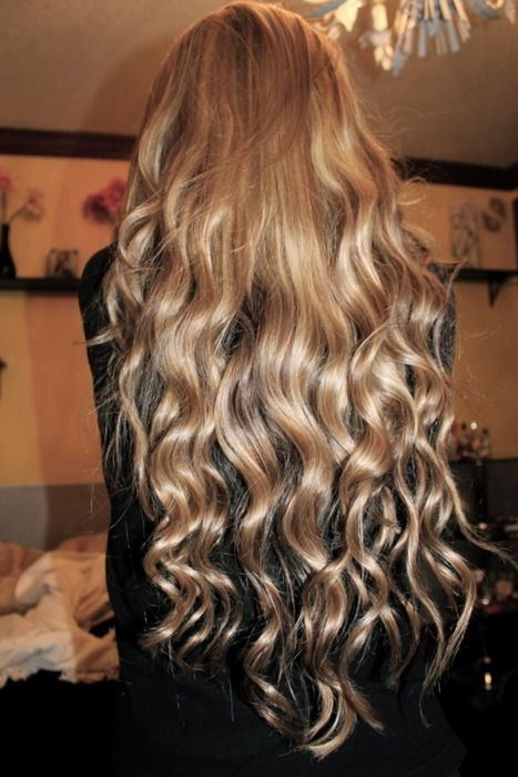 No matter how long my hair gets, it will never be thick enough to look like this :(