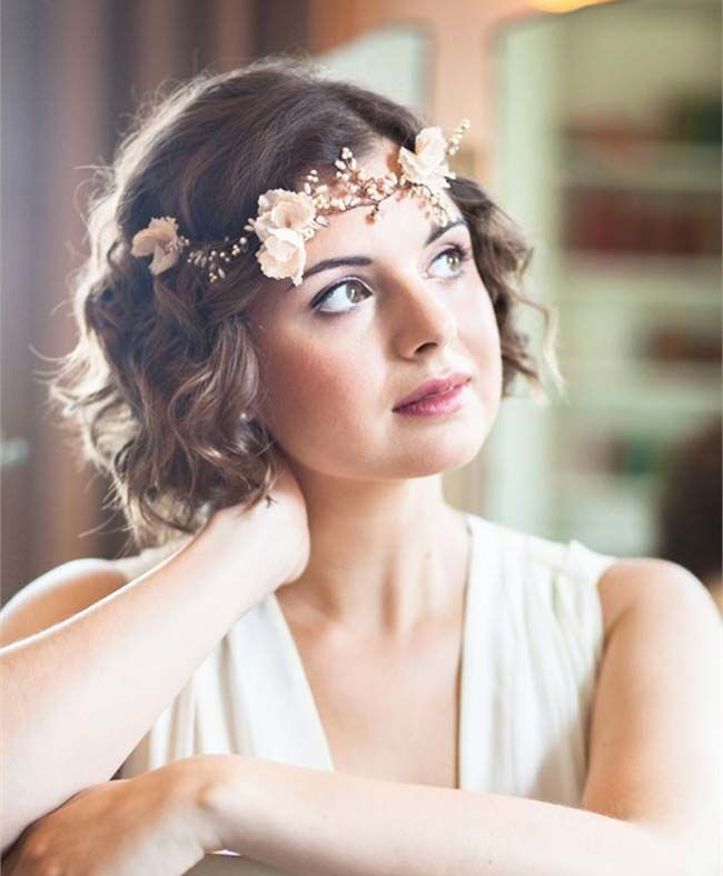 we love this laidback curly wedding hairstyle for short hair image from the bridal stylists