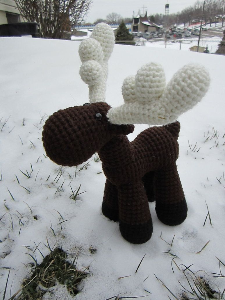 Crocheted Moose Number 2 by *aphid777 on deviantART ... FREE pattern ...