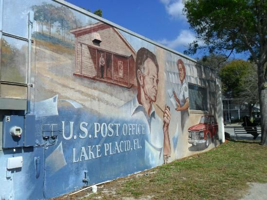 Lake Placid Florida Is Known As The City Of Murals There Are More Than 40 Murals Painted On Buildings Throughout Town Lake Placid Lake Florida