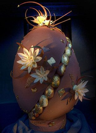 William Curley's $10,000 chocolate #Easter egg.