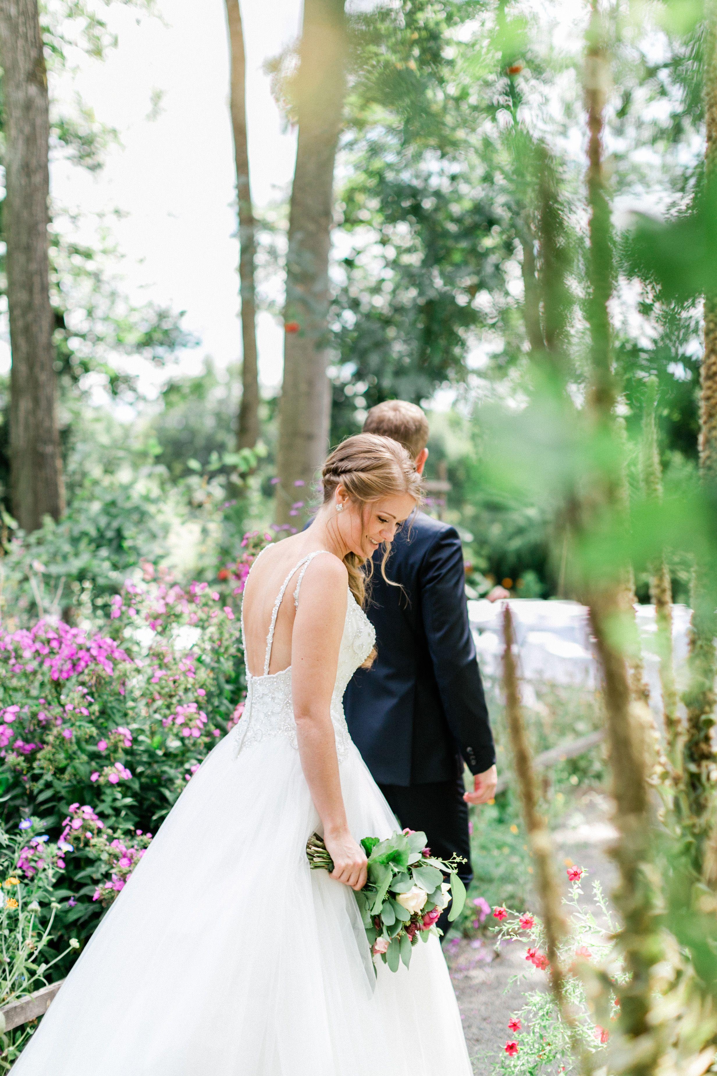 Freie Trauung Gutshof Unterbessenbach Ewigmein Fine Art Photography Hochzeitszeremonie Draussen Hochzeitsideen Im Freien Blaue Hochzeitsblumen