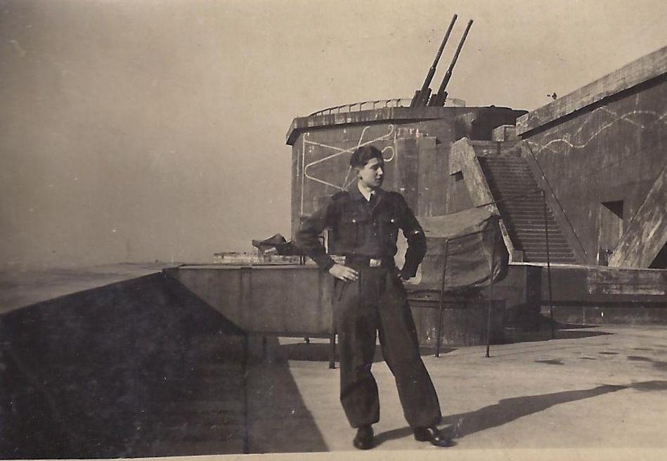 Flakturm Gesundbrunnen 1943 (Flak tower Humboldthain in Berlin)