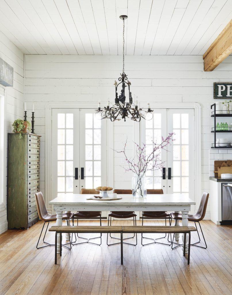 foto de A Look Inside Our Farmhouse | Living room lighting