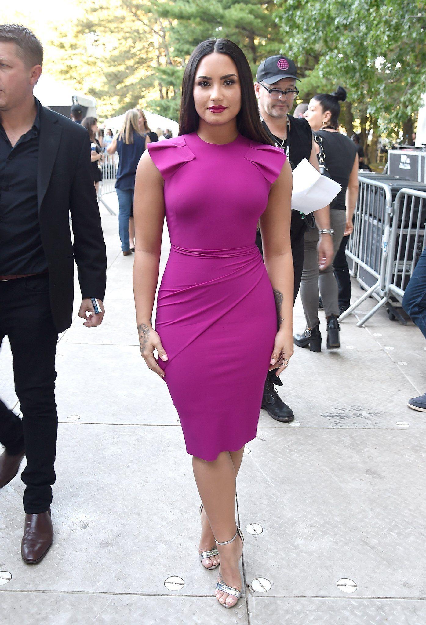 Pin de Victoria Smith en Demi Lovato | Pinterest | Vestido elegante ...