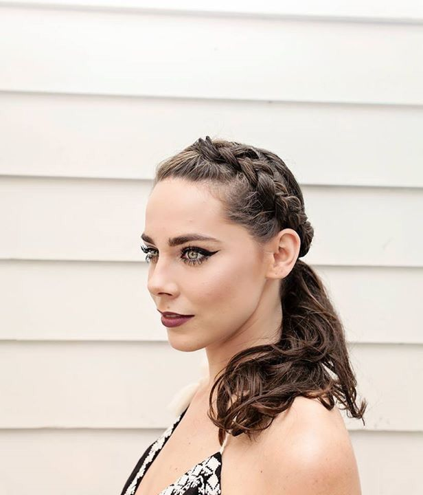 Beat the #CharlestonSummer heat in style with a jazzed up ponytail like this one! Thank you to the artists at SWISH Charleston for creating this masterpiece day-to-night pony! PhotoCred: Cassandra Michelle Photography  #Ponytail #BraidedPonytail #SWISHonPitt #lilyMagazineChs #MountPleasantSC #CharlestonSC #CharlestonLife